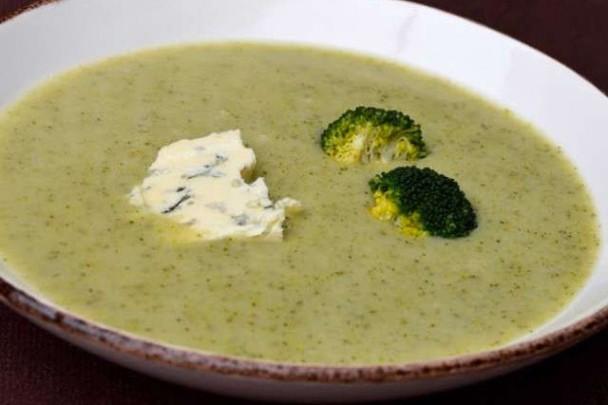 Cuisiner un velouté au brocolis, champignons et au bleu